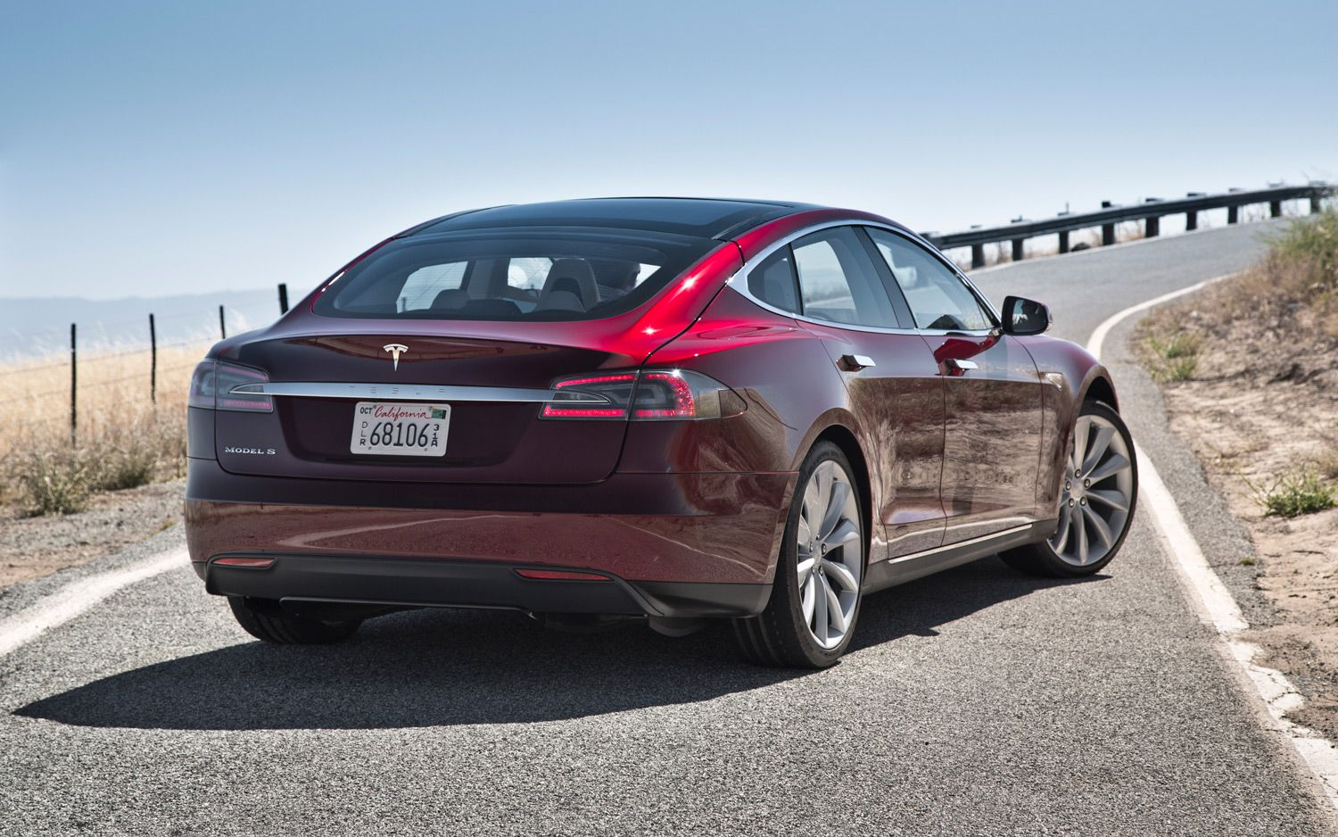 2012-Tesla-Model-S-rear-three-quarter-1