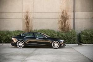 Tesla Model S Avant Garde M310