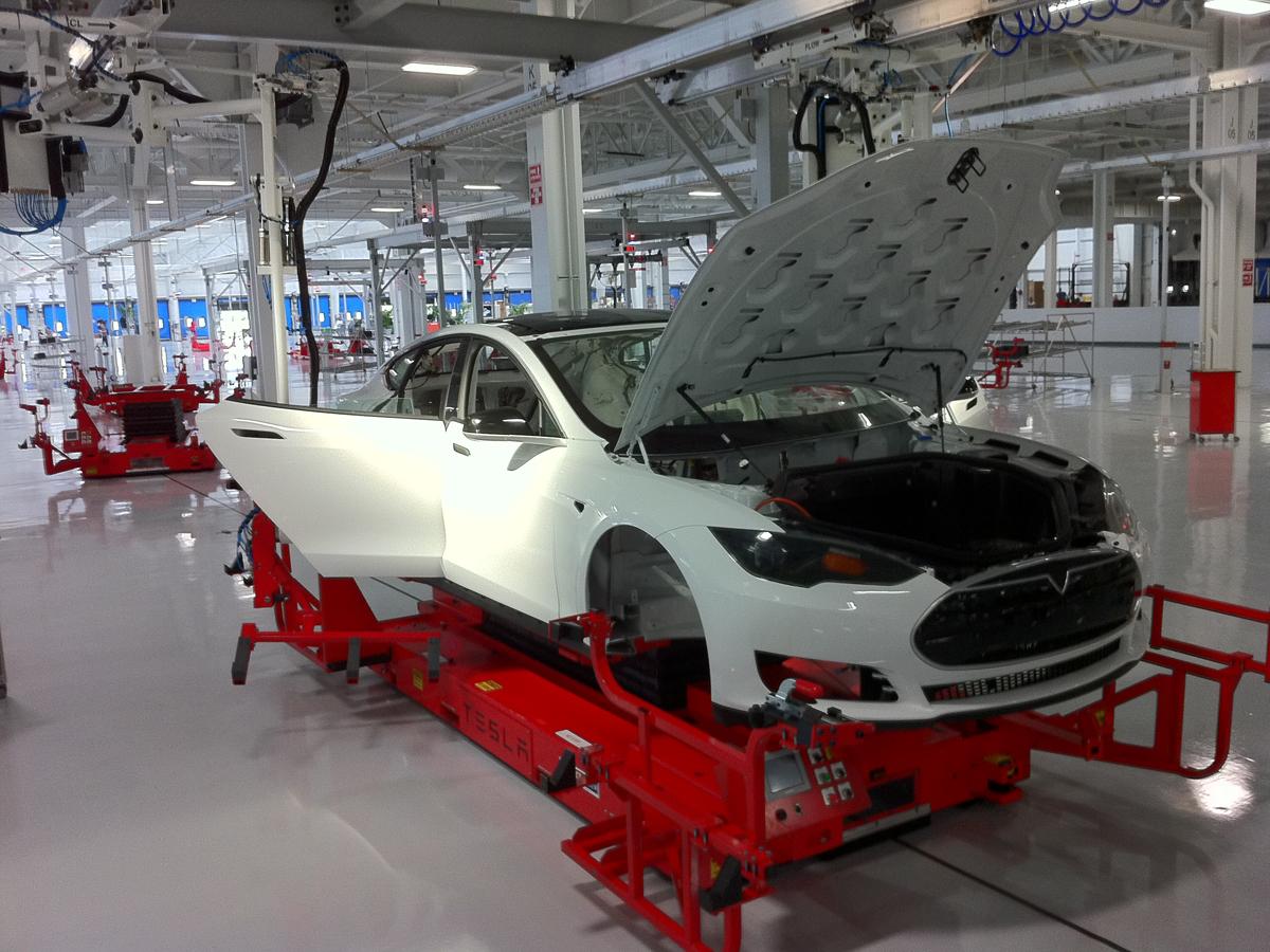 Tesla Model S Assembly