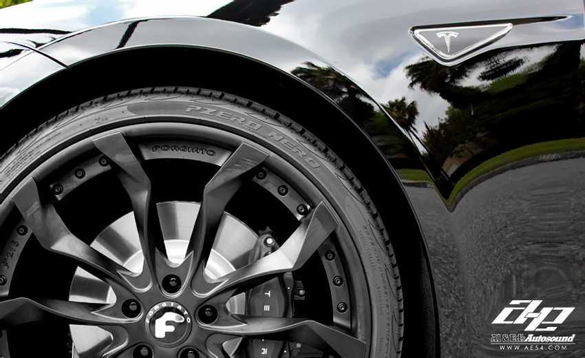 Tesla Model S Forgiato Aftermarket Wheels Front Close Up