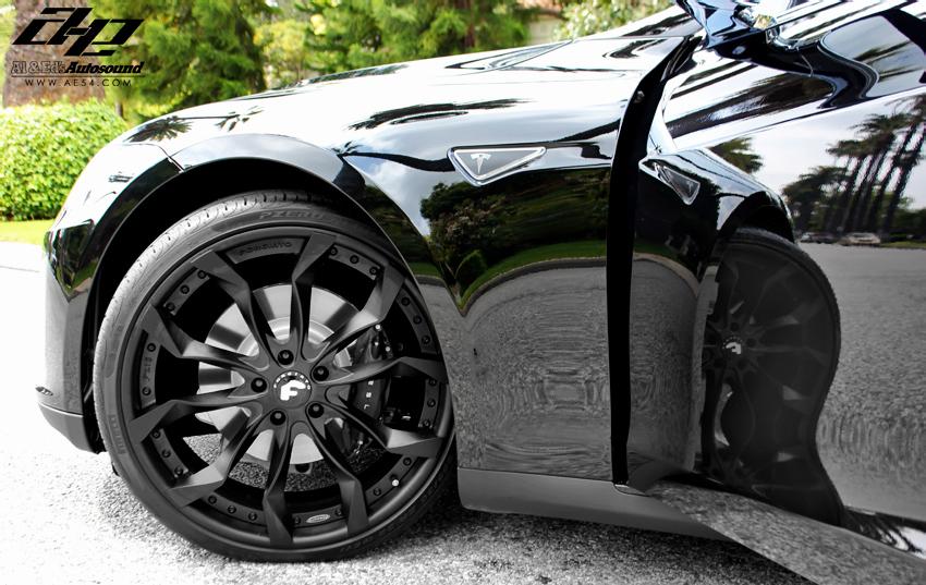 Tesla Model S Forgiato Aftermarket Wheels Front
