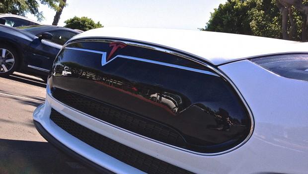 Tesla Model S Red Emblem Front