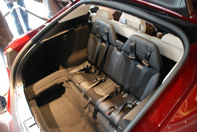 Cooling Tesla Model S 3rd Row Passenger Seat - TESLARATI.com