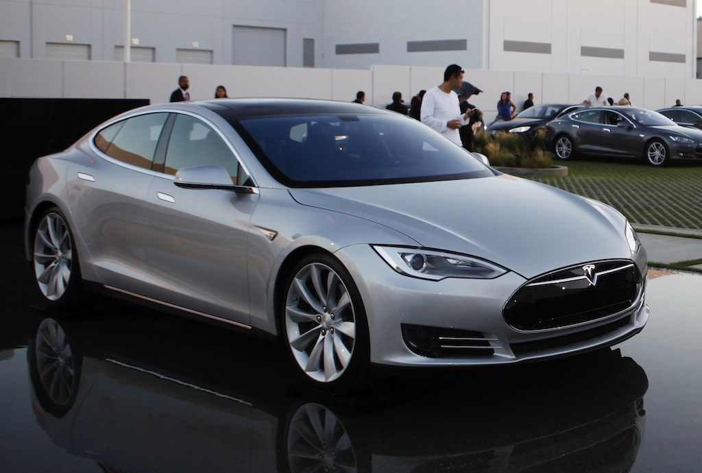 13550 additionally 30k Tesla  pact Sedan To Arrive In 2015 moreover Photos besides Tesla Model X Launch Australia together with Deciding Tesla Model X Configuration. on tesla model 3 doors