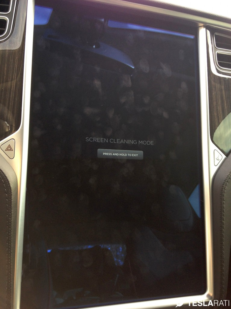 Griffin Tesla Model S Screen Cleaner Before Cleaning