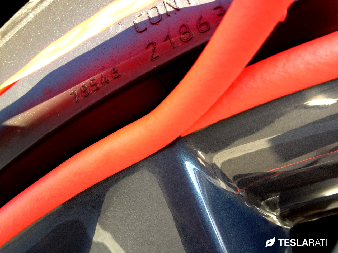 Rimblades-Installation-Marker-Tesla-Wheel