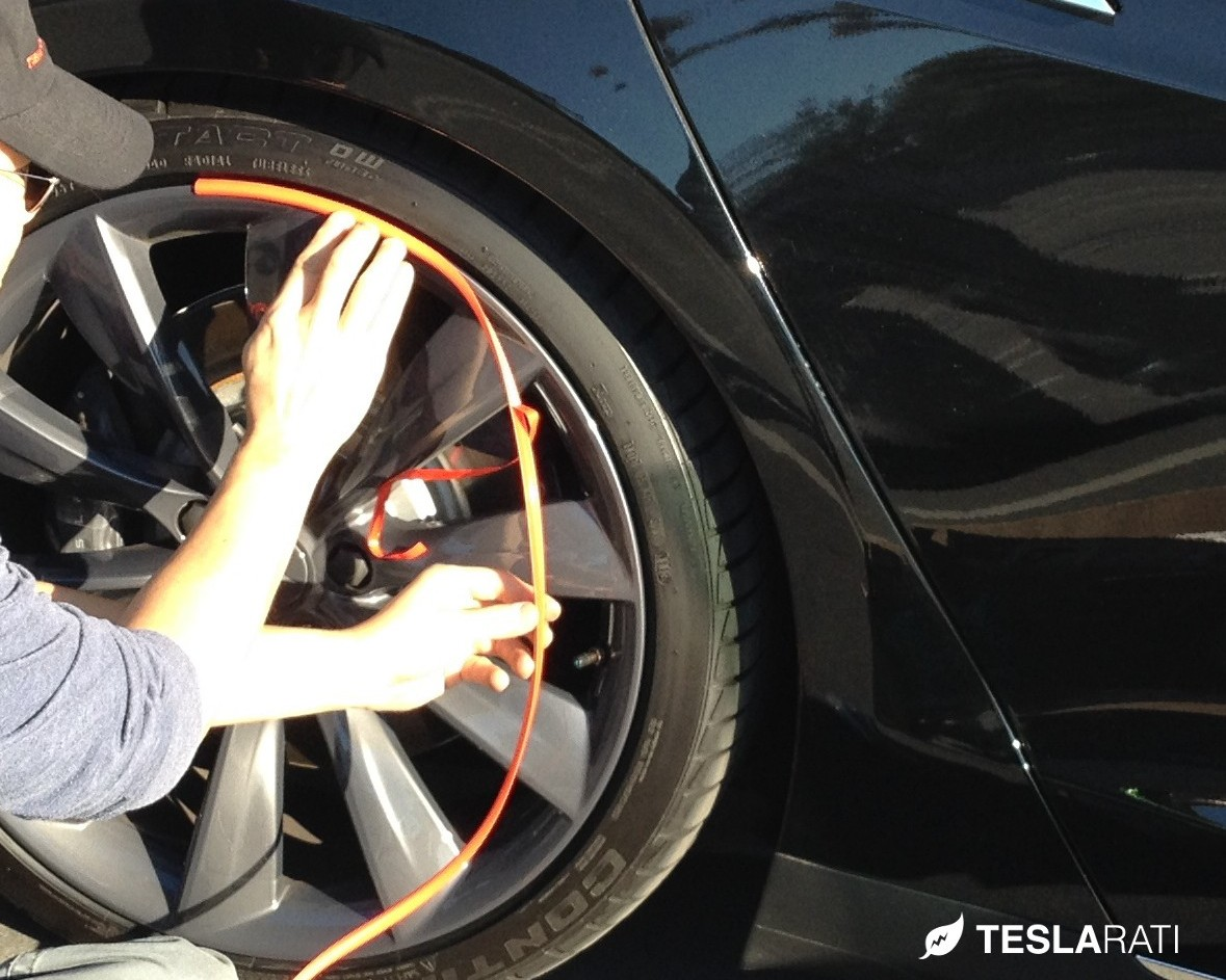Rimblades-Installation-Tesla-Wheel