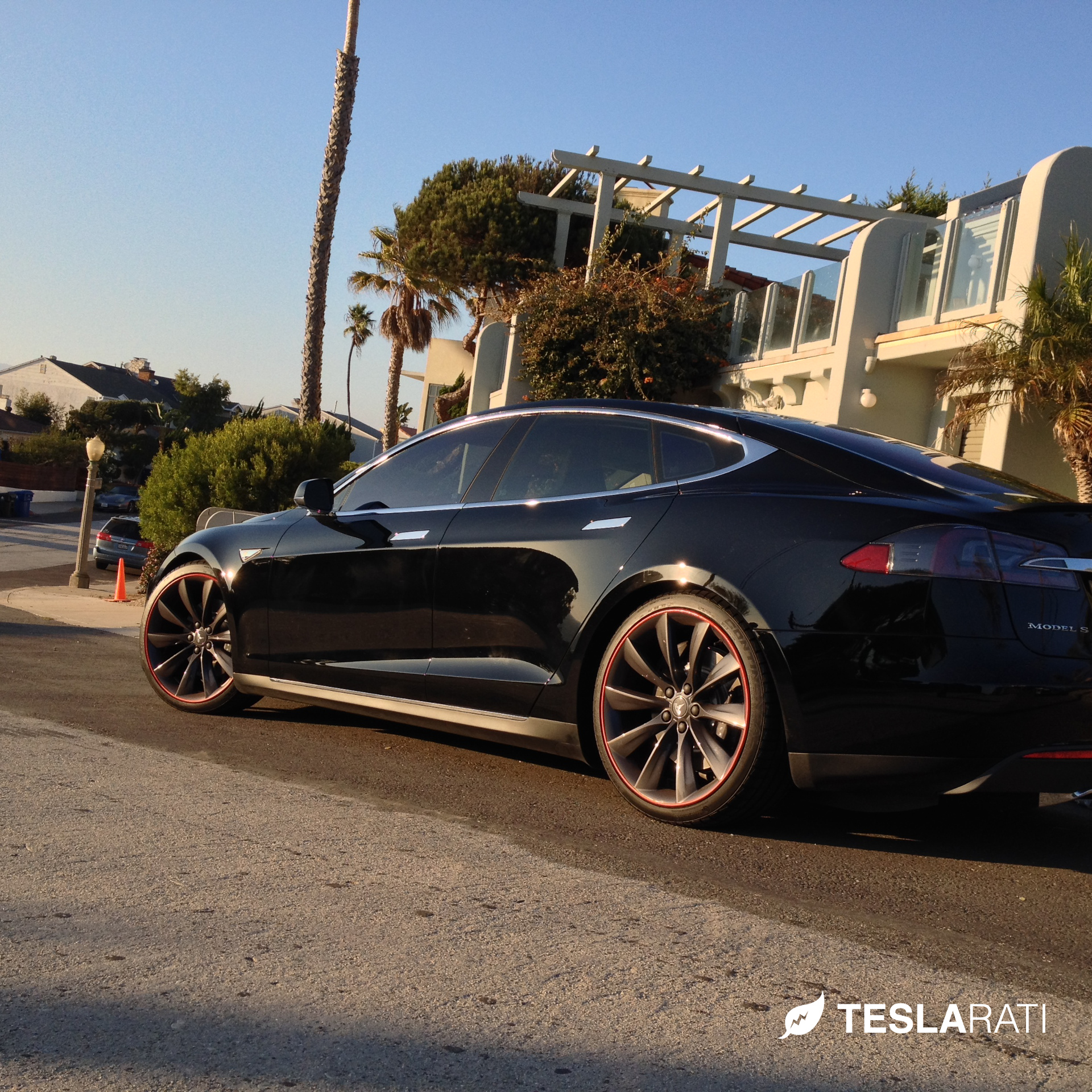 Rimblades-Tesla-Model-S-Side-2