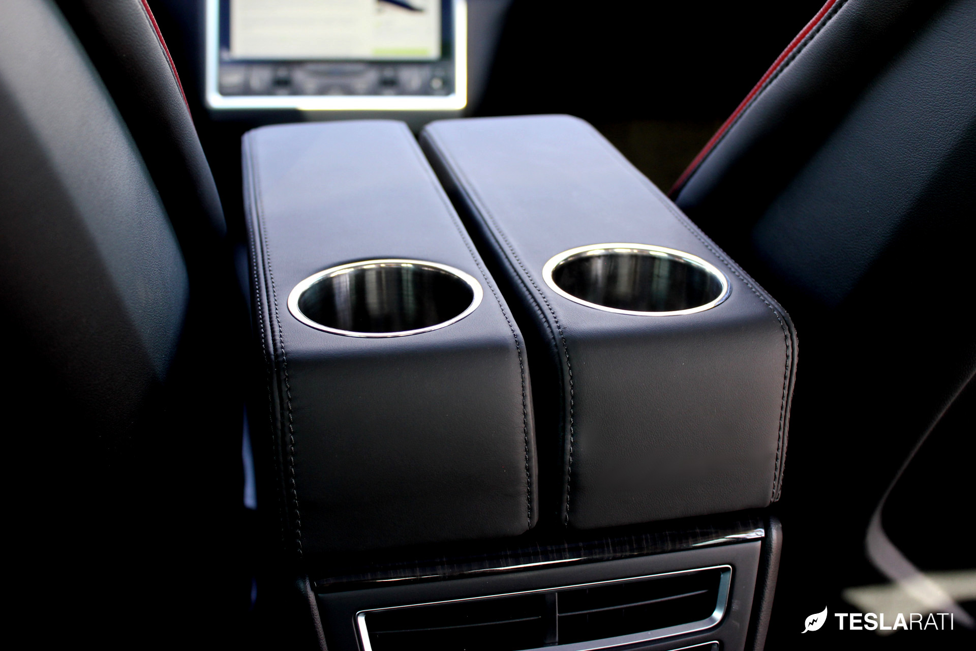 PARZ_Tesla_Rear_Seat_Cup_Holders_10