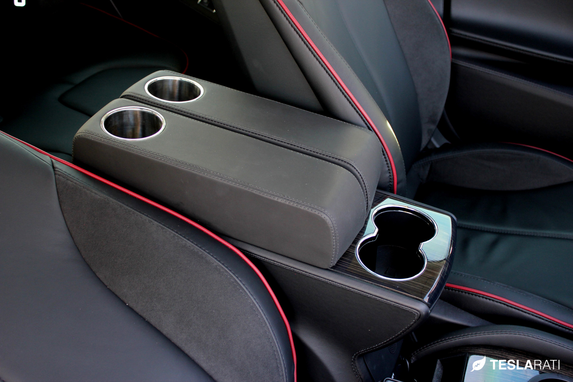 PARZ_Tesla_Rear_Seat_Cup_Holders_3