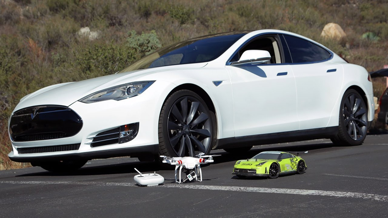 remote control rc cars with Electric Drag Race Tesla P85 Model S Vs Rc Car on Brum as well 190 2s 6 6v 2000 Mah Robitronic Life Battery Tests also Electric Drag Race Tesla P85 Model S Vs Rc Car also 20 Strange Rc Vehicles That Will Make You Say Huh additionally 32733666129.