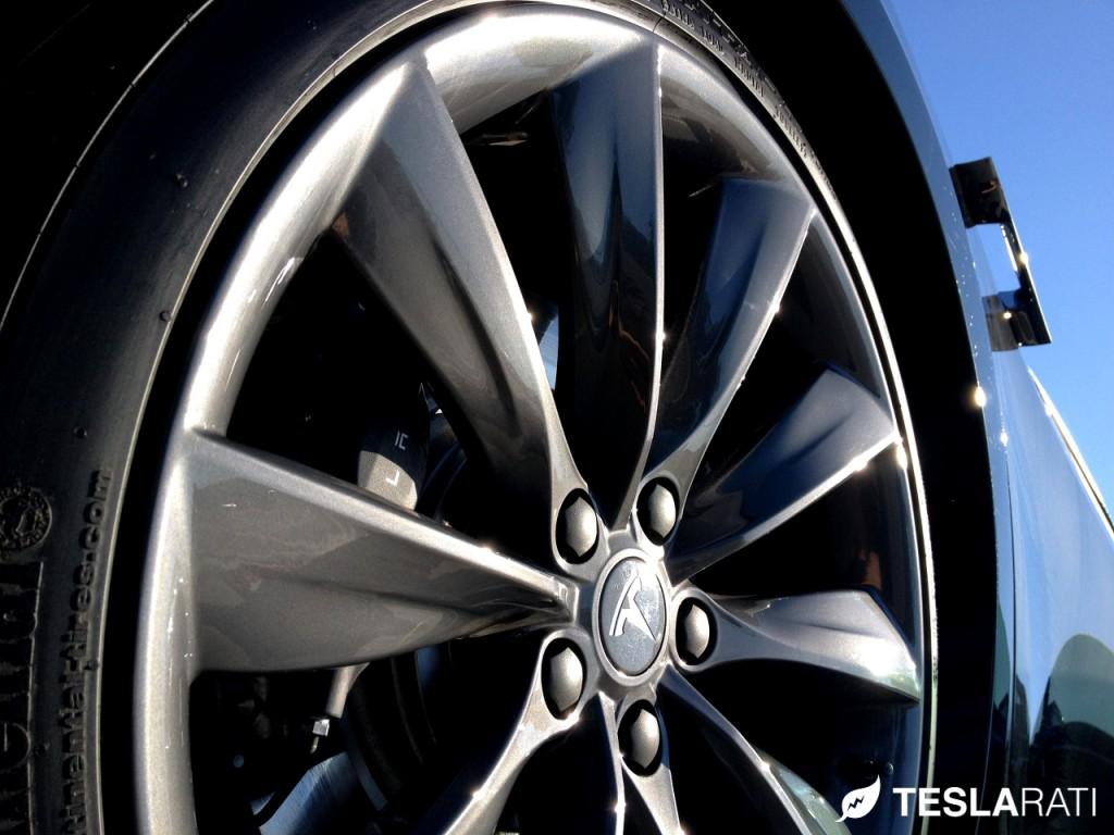 "Tesla Model S Tire Rotation (21"" Turbine Wheels)"