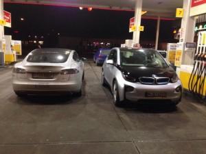 Tesla Model S vs BMW i3