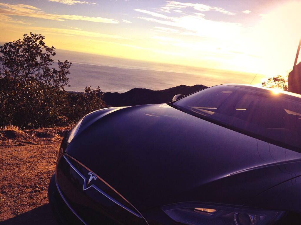 Tesla-Malibu-Sun
