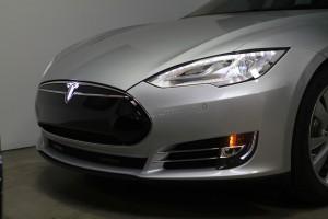 Tesla-Model-S-Lighted-T-Installed-2
