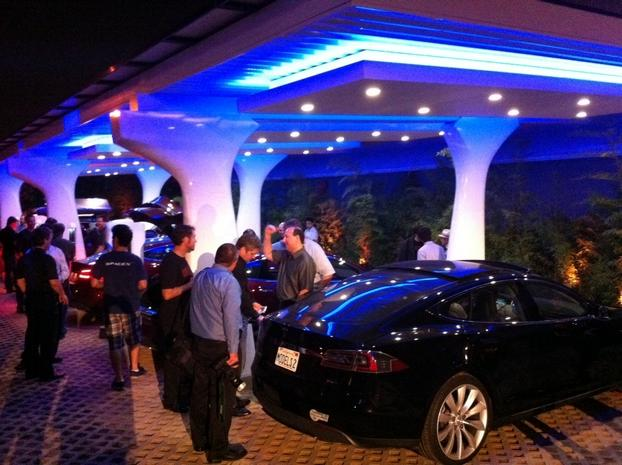 Tesla Lifestyle - Owners charging at Hawthorne Design Center