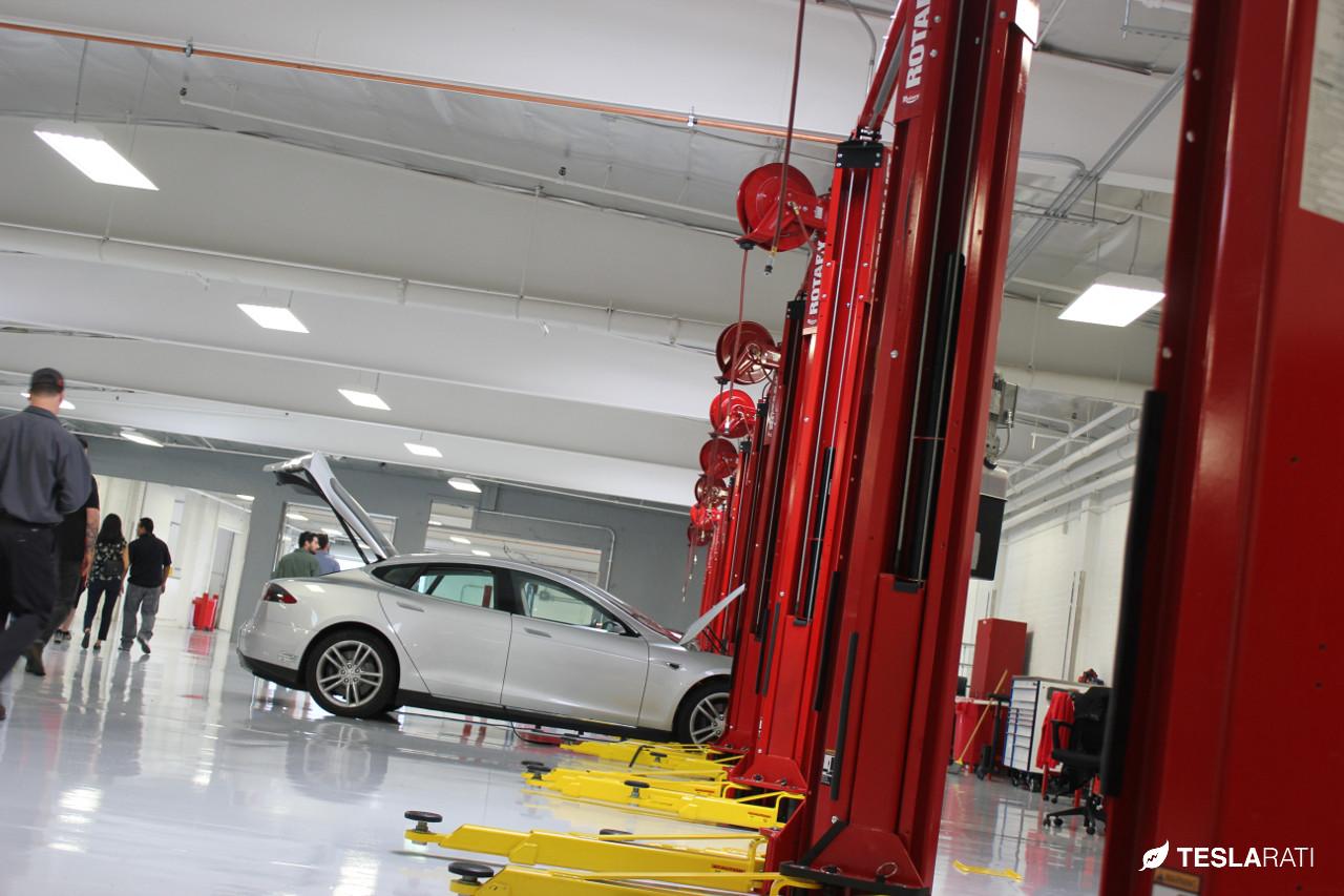 Tesla La Club Unveils Los Angeles Largest Tesla Service