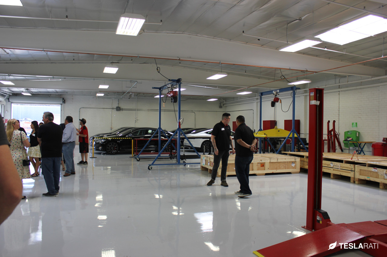 Tesla-Service-Center-TeslaClubLA-8