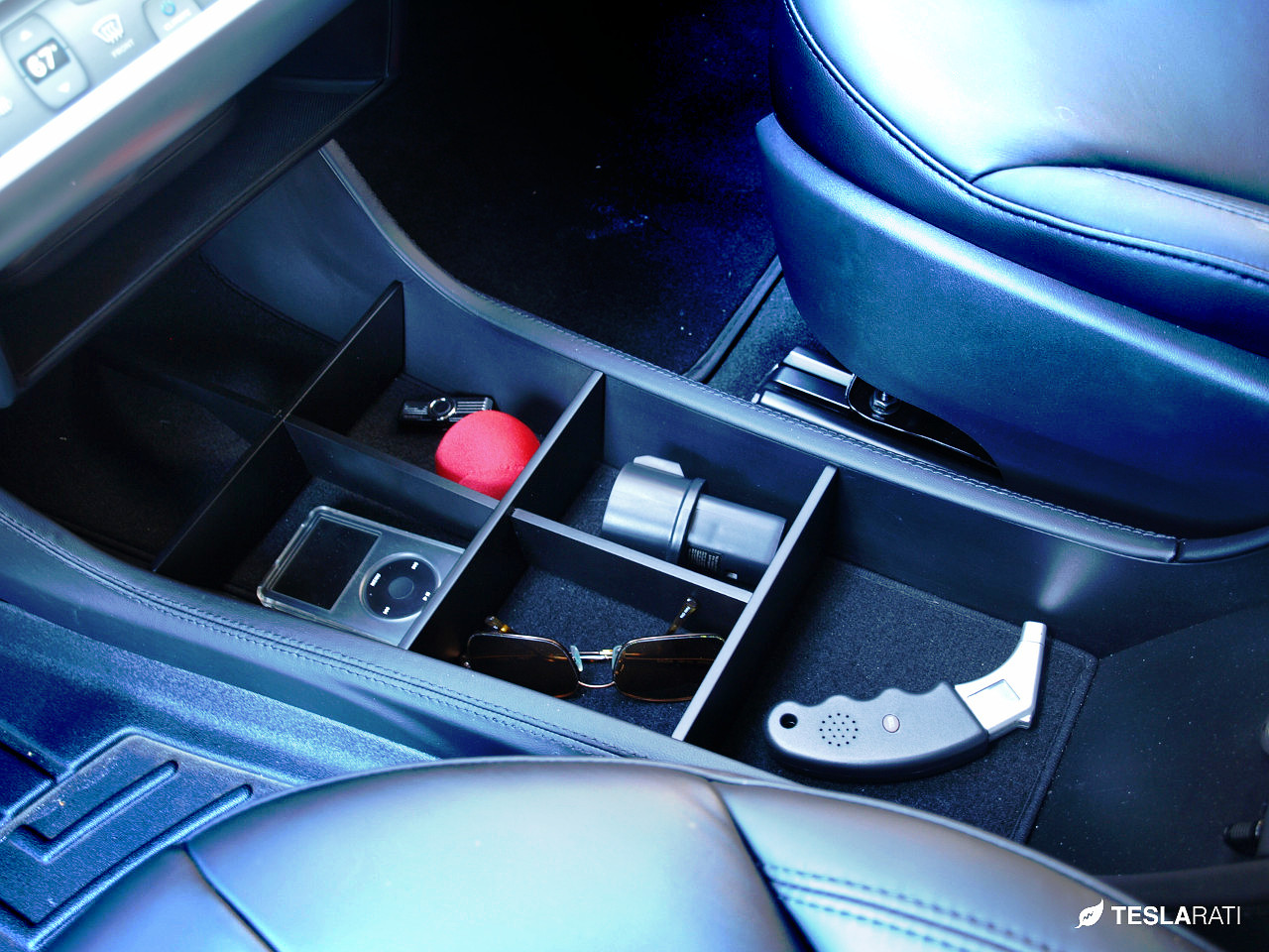 A Simple Center Console Organizer For The Tesla Model S
