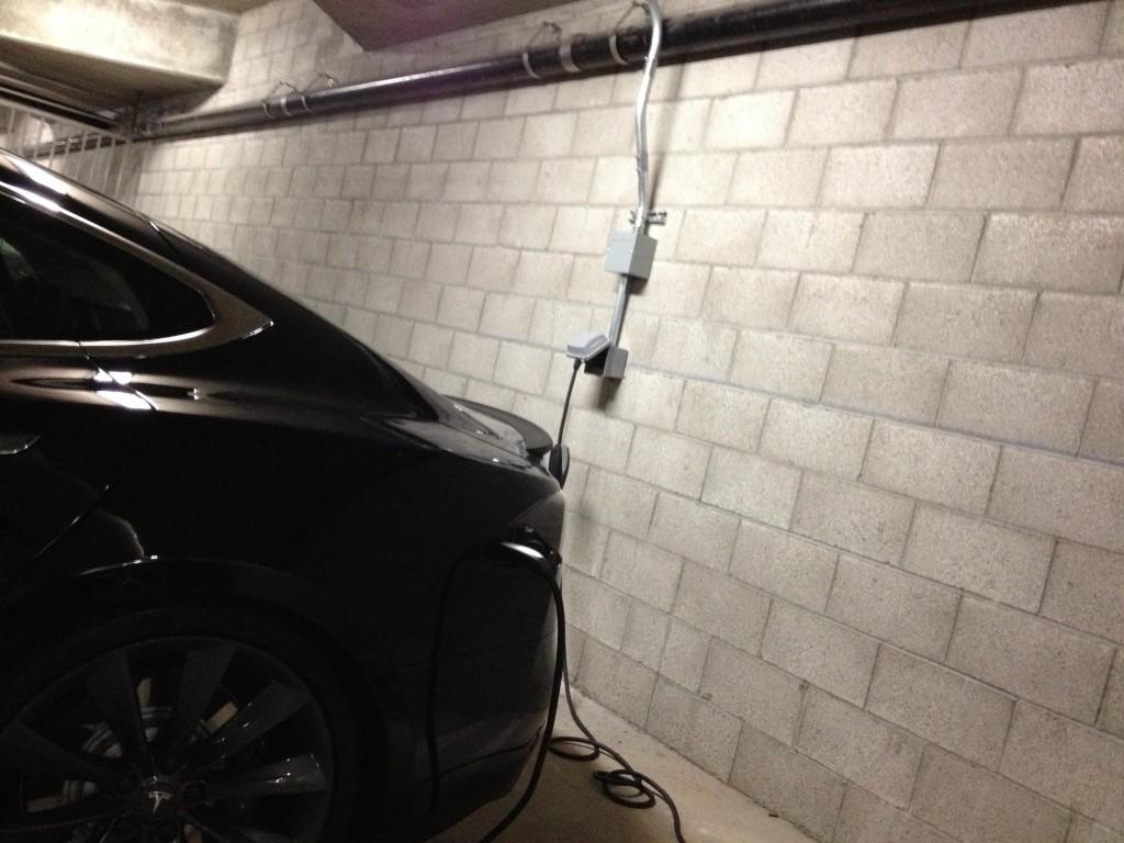 Tesla-Charger-UMC-NEMA-14-50