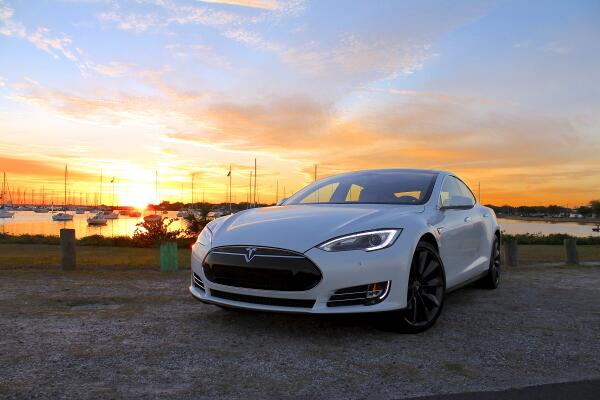 Tesla-Model-S-Sunset-Marina