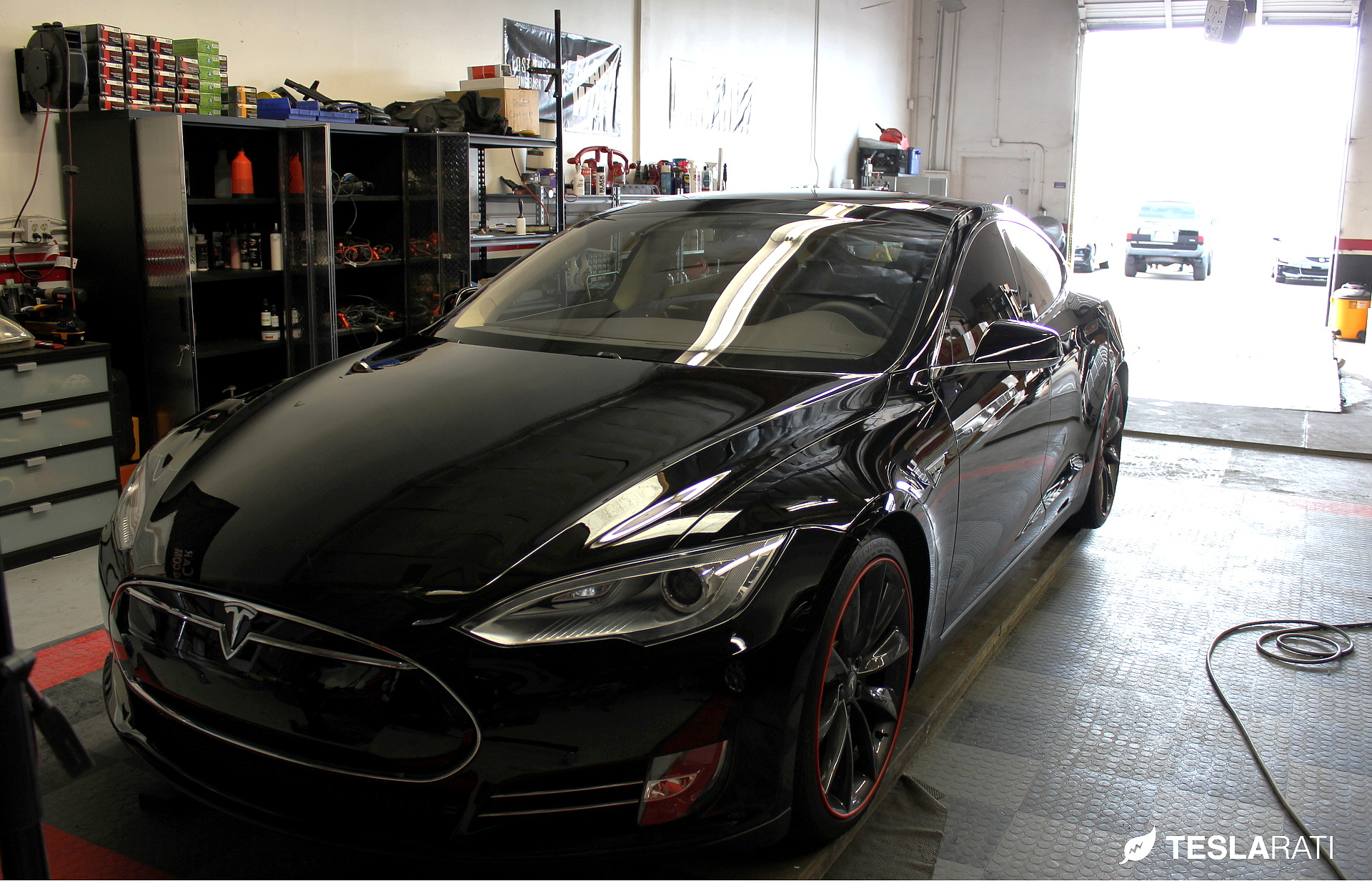 Tesarati-Tesla-Model-S-Coating