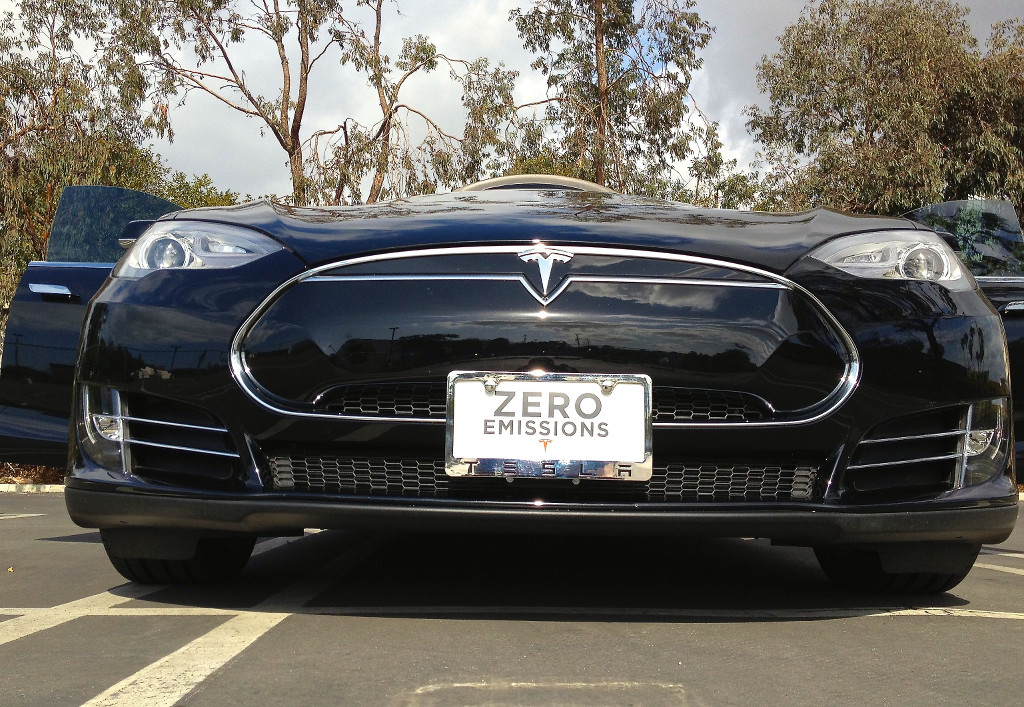 Tesla-Model-S-Front-License-Plate-Bracket
