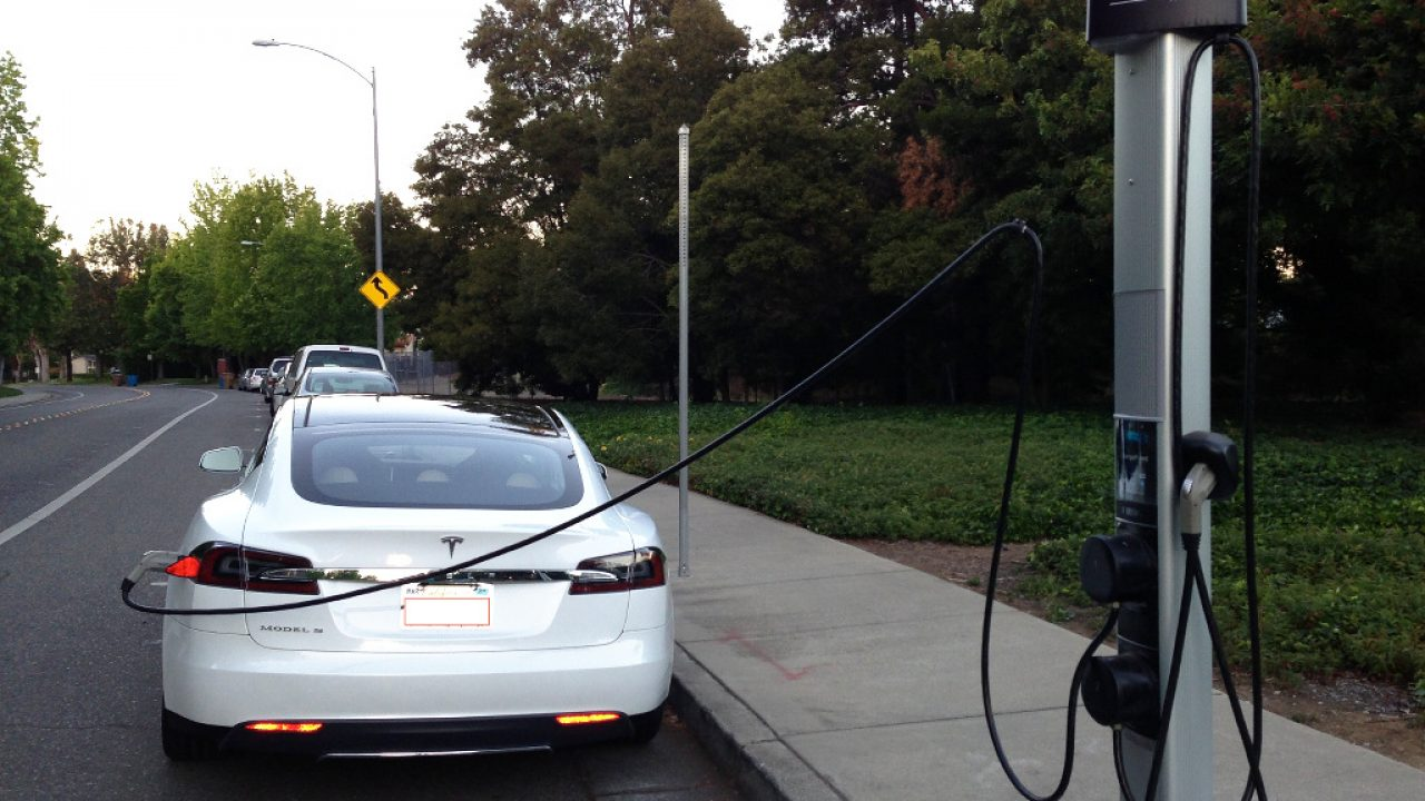 Video How To Charge Your Tesla Model S Using The J1772 Adapter