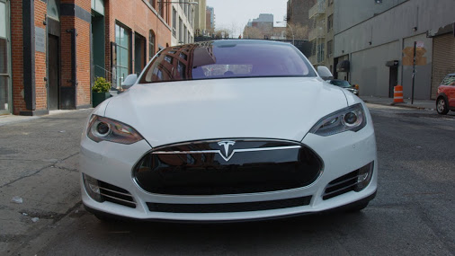 Tesla-Model-S-Nose-NYC