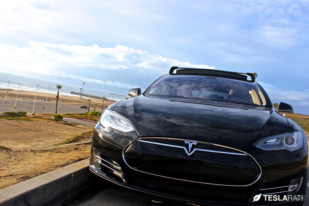 Tesla-Model-S-Side-Road