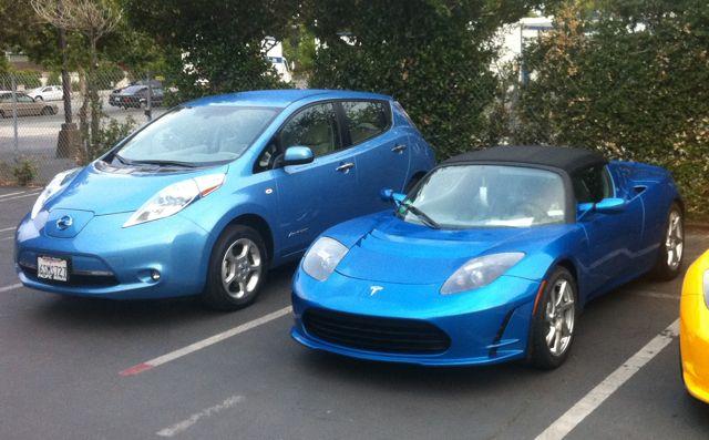 Tesla-Roadster-Nissan-Leaf
