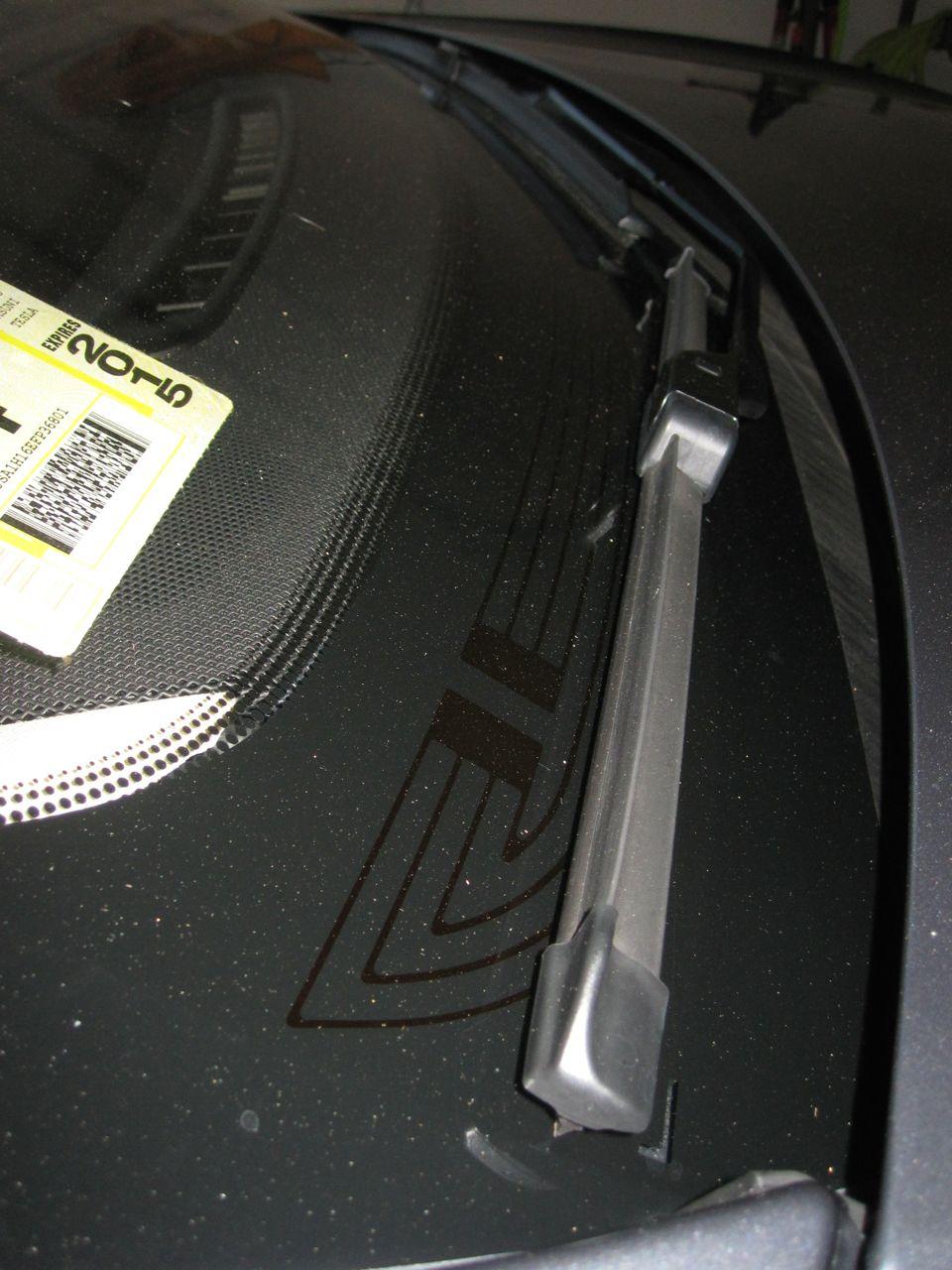 Wiper blade defrosters