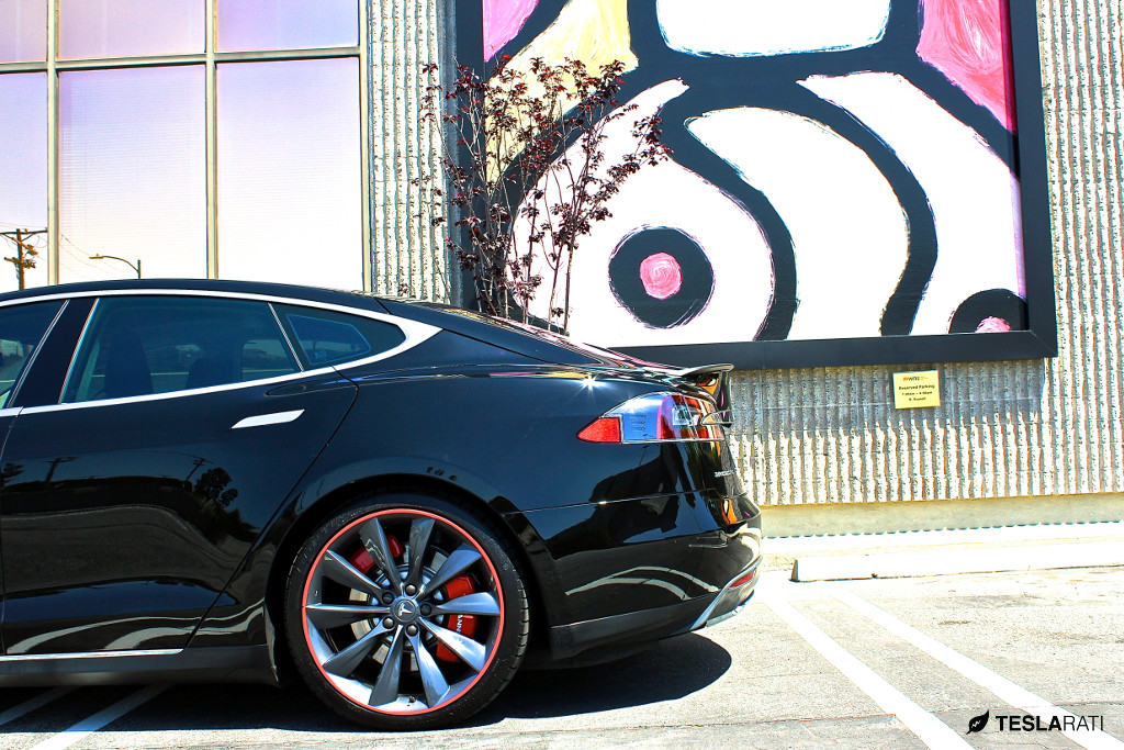 Review Tesla Model S Red Brake Caliper Covers