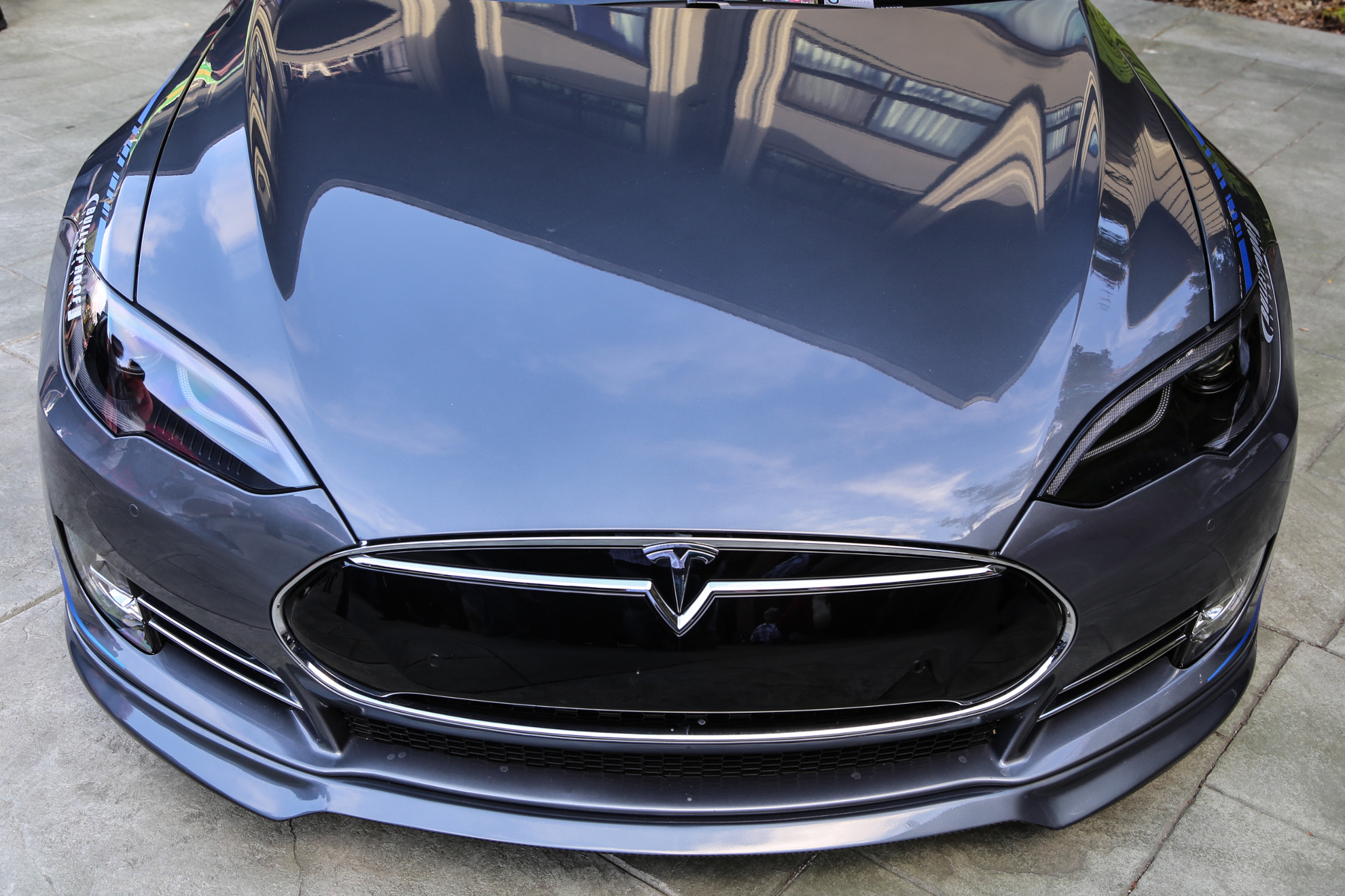 Unplugged-Performance-Tesla-3
