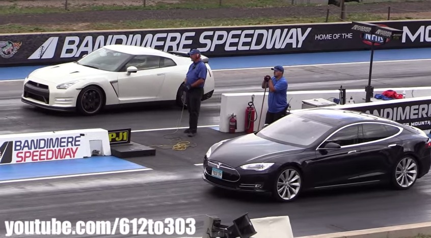 We Ve Seen The Tesla Model S Take On New Corvette C7 Z51 In A Heads Up Drag Race But What Hens When You Pit 4 600 Lb Seven Penger Electric
