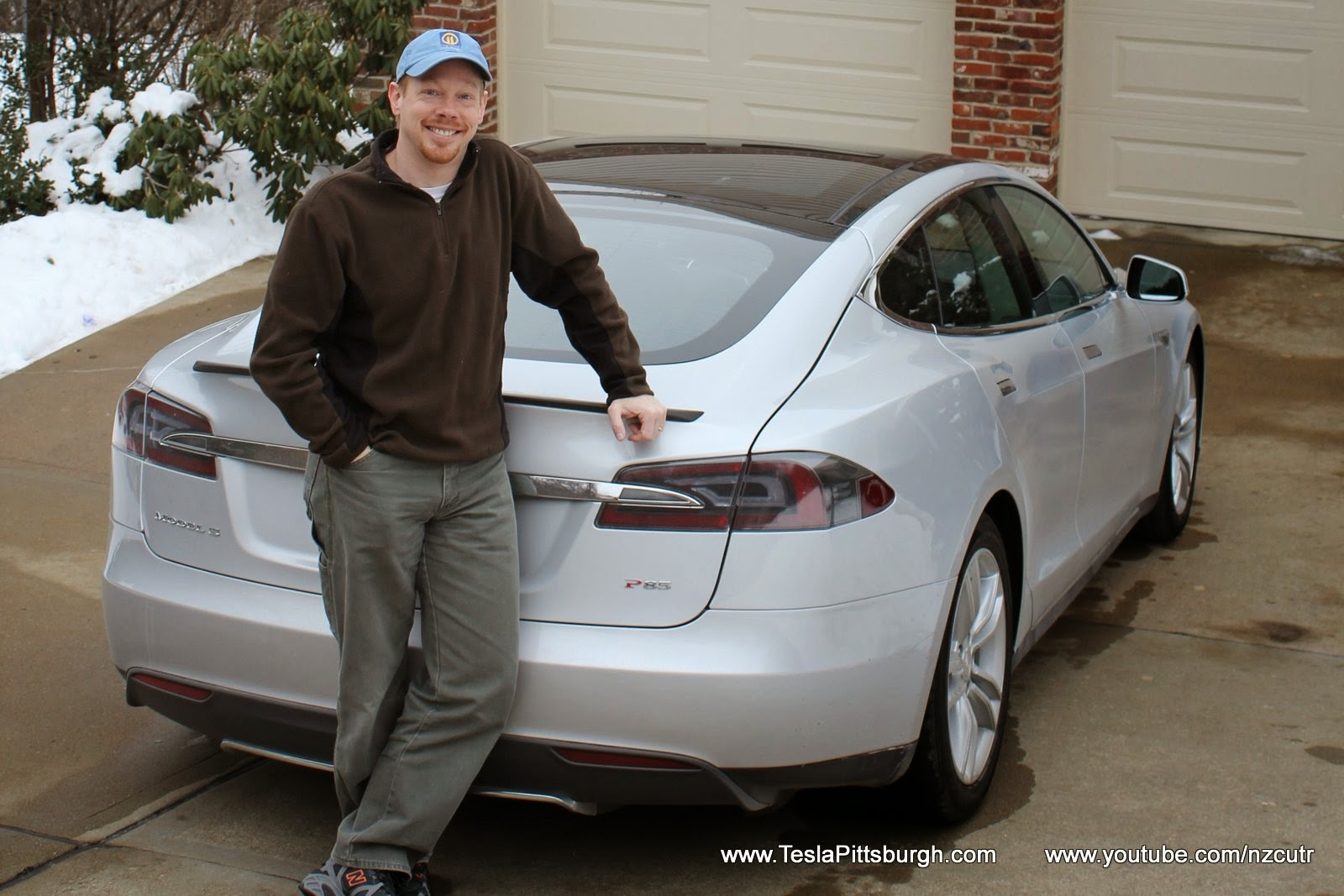 Tesla Model S Dolphin Grey