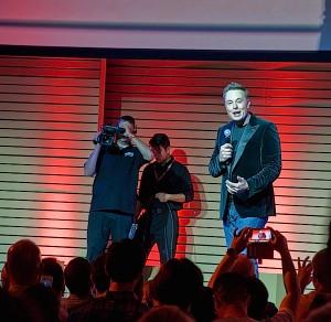Elon Musk's demo of the Tesla battery swap