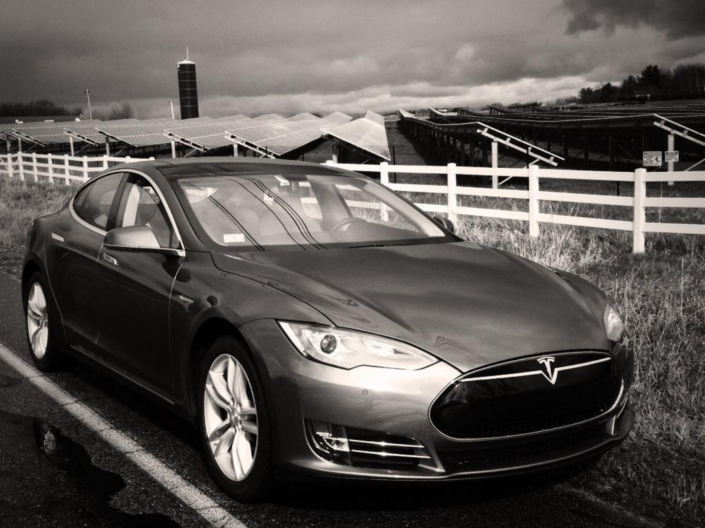 Tesla Model S SolarCity