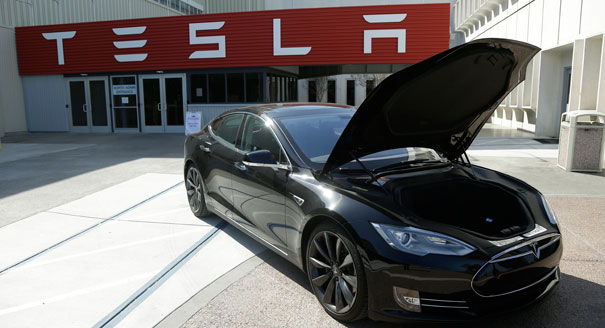 Tesla-Motors-Black-Model-S