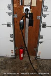 Tesla-UMC-Garage-Mount