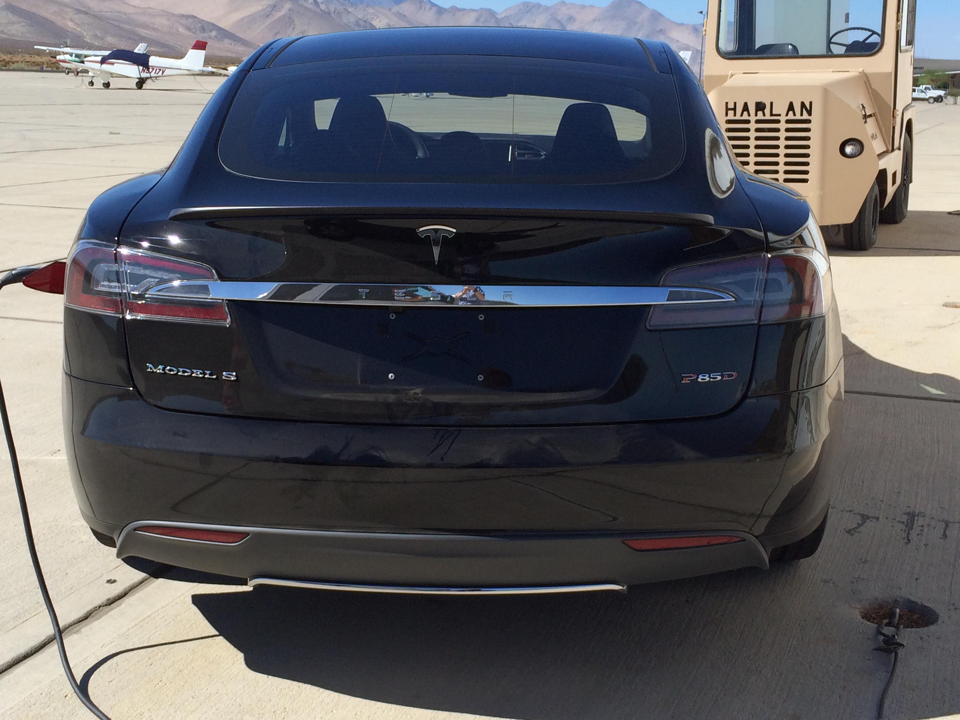 Tesla-Model-S-P85D