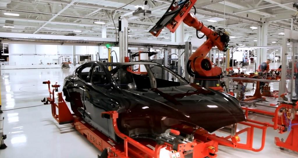 Tesla-Factory-Robot