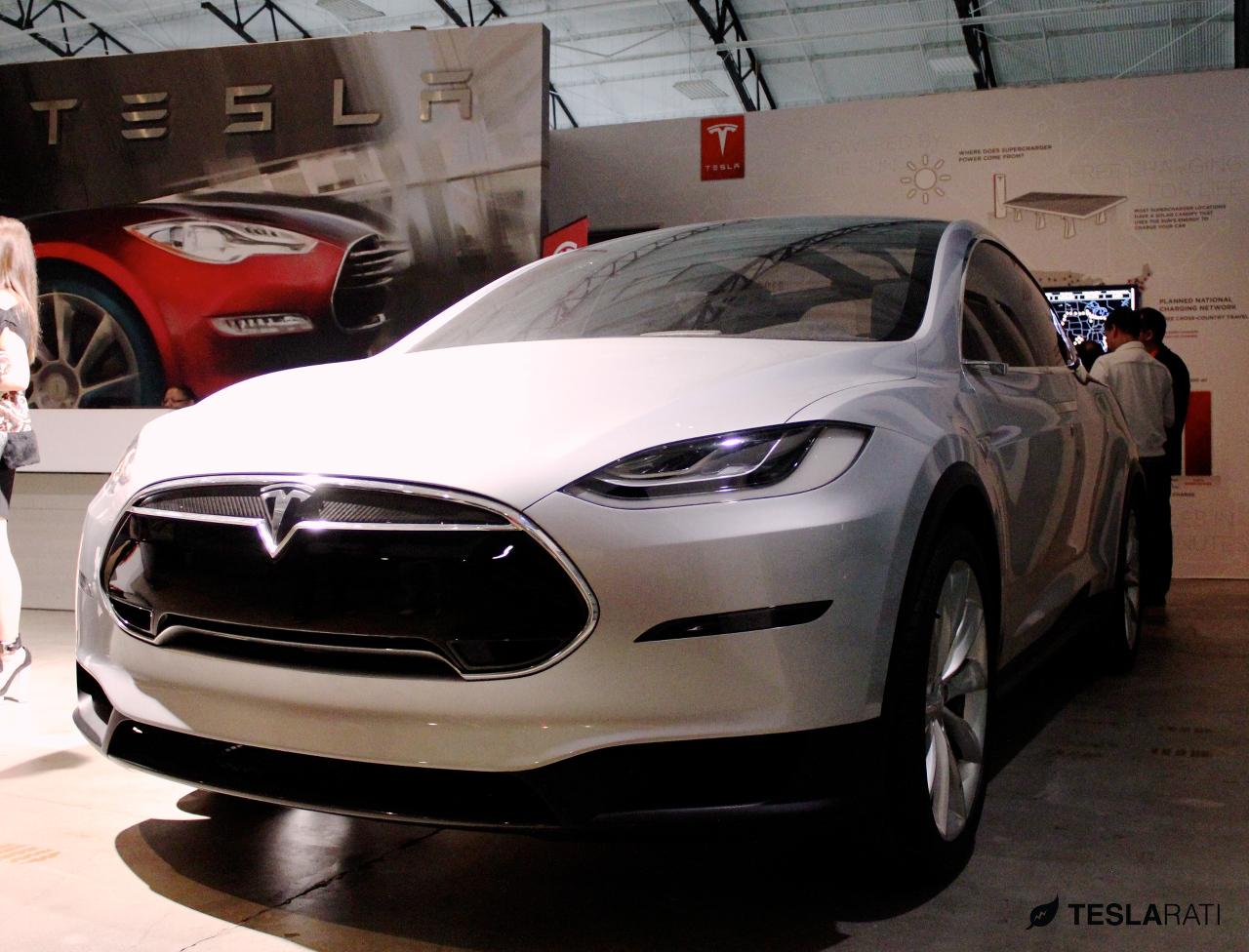 Tesla-Model-X-Hawthorne