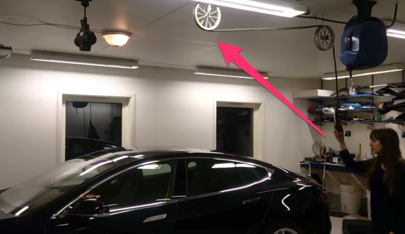 Retractable Tesla Umc Roof Mount