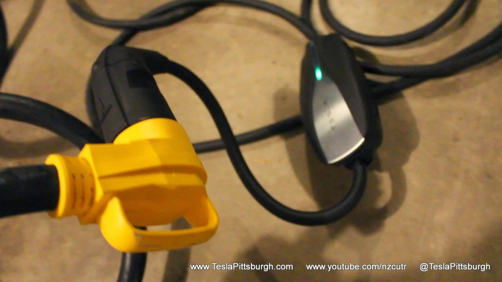 Tesla UMC Extension Cord 90 Degree Plug