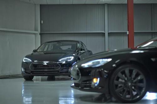 e-Motion Tesla Chaffeurs