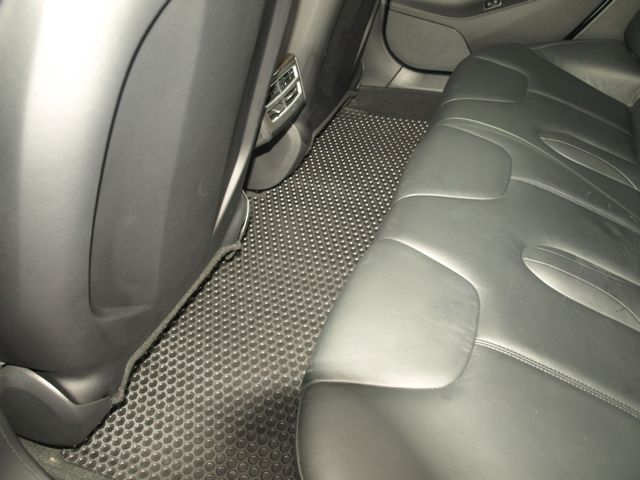 Lloyd Rubbertite Mats for Model S Rear Seat