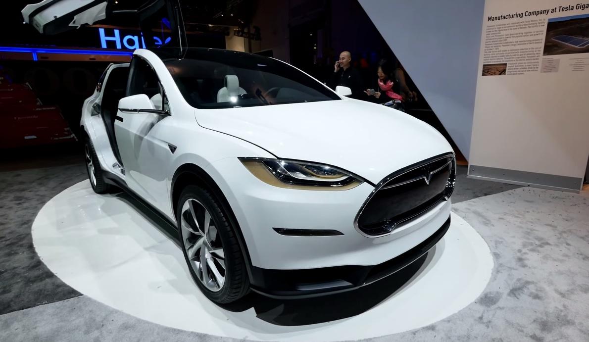 Tesla-Model-X-Front-CES-2015