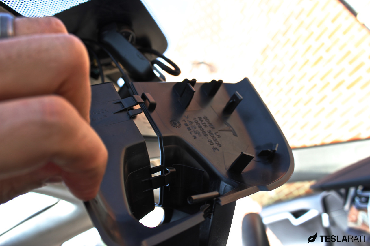 Tesla-BlackVue-HD-WiFi-Dashcam-3