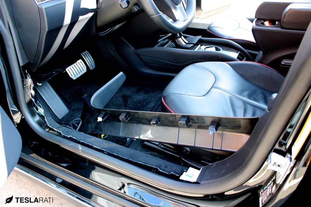 Tesla-BlackVue-HD-WiFi-Dashcam-4